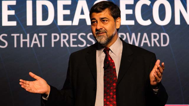 Vivek-wadhwa-at-the-economist-summit