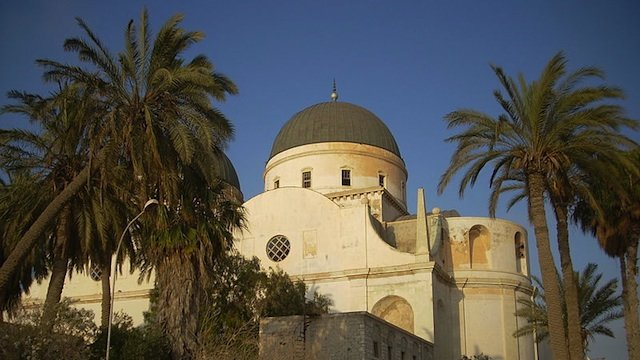 800px-benghazi_cathedral2