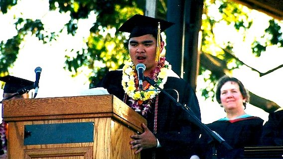 Graduation_jose_antonio_vargas_define_american