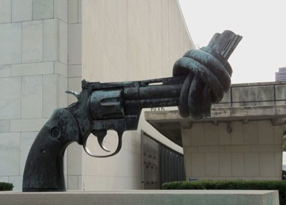 File_non-violence_un_nyc.jpg_-_wikimedia_commons