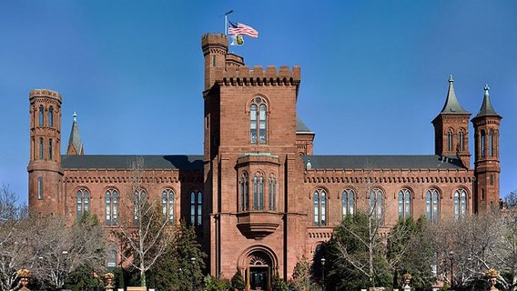 800px-smithsonian_building_nr