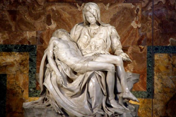 Michelangelos-beautiful-pieta
