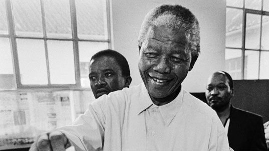 Mandela_voting_in