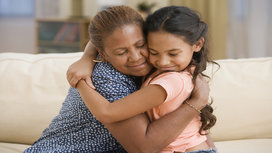 Mother_and_daughter_hugging