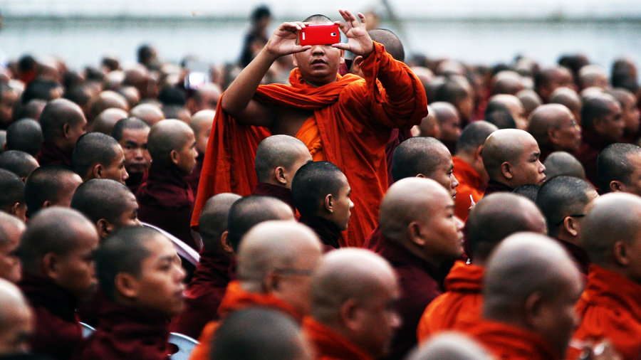 Monk_cell_phone
