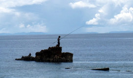 Solomon-island-boy-fishing