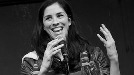 Sarah_silverman_performing_at_ucb_(1)