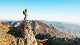 Man_on_mountain2
