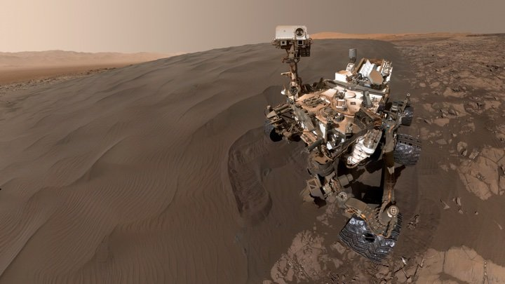 Spectacular Images from Curiosity Rover on Mars