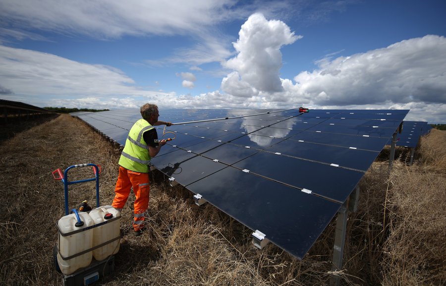 Green Energy Will Overtake Fossil Fuels by 2020, Morgan Stanley Analyst States