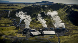 Hellisheidi-power-plant-photo-by-arni-saeberg-copy