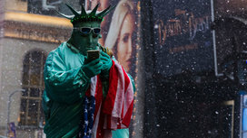 Statue_of_liberty__cropped